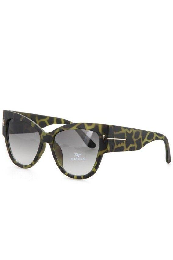 84bcb0ecad EOZY Fashion Women Big Frame Sunglasses Vintage Ladies Leisure SunGlasses  Summer Beach UV Protection Goggle Eyewear