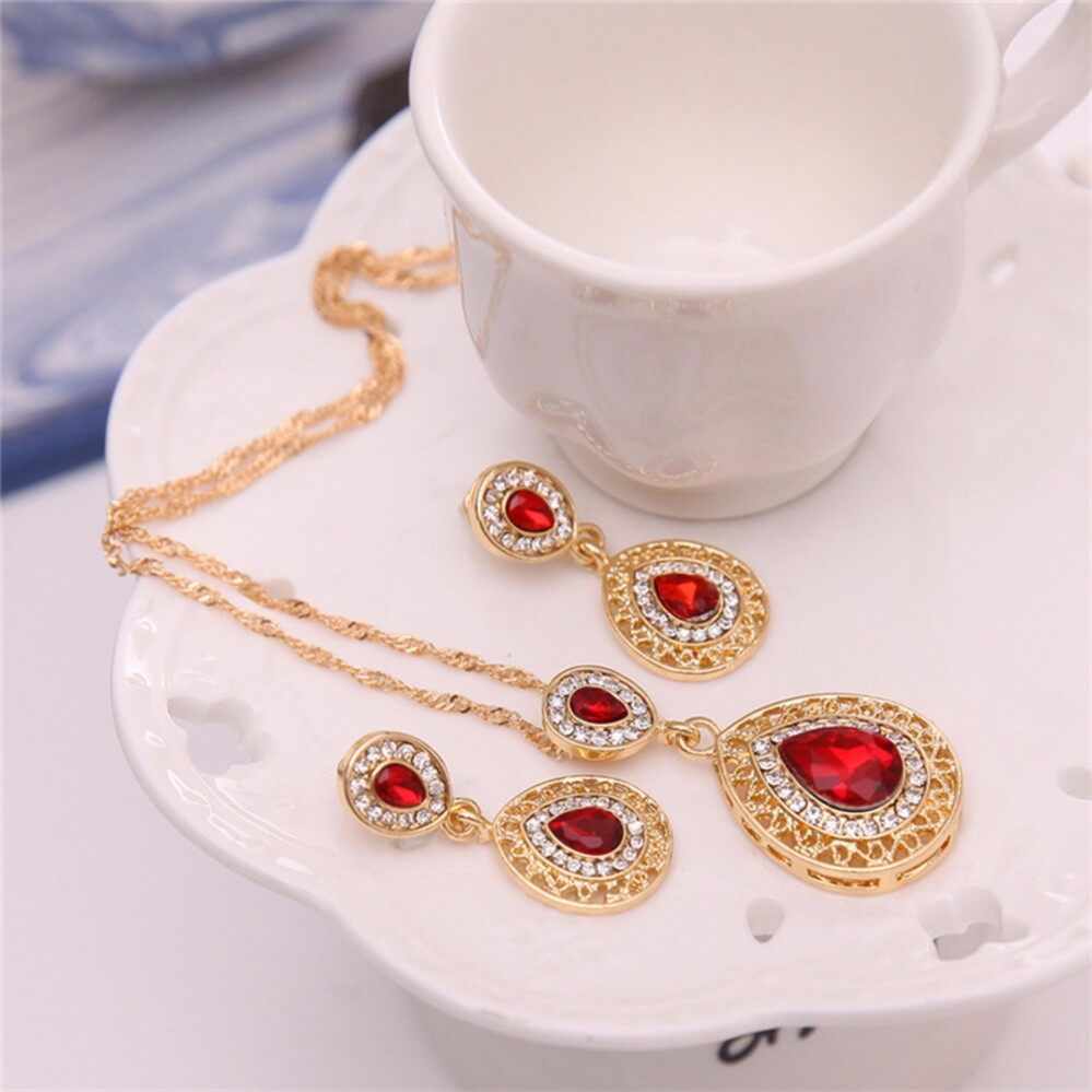 Women Rhinestone Crystal Pendant Necklace Chain Earrings Jewelry Set Red One Size - Intl.