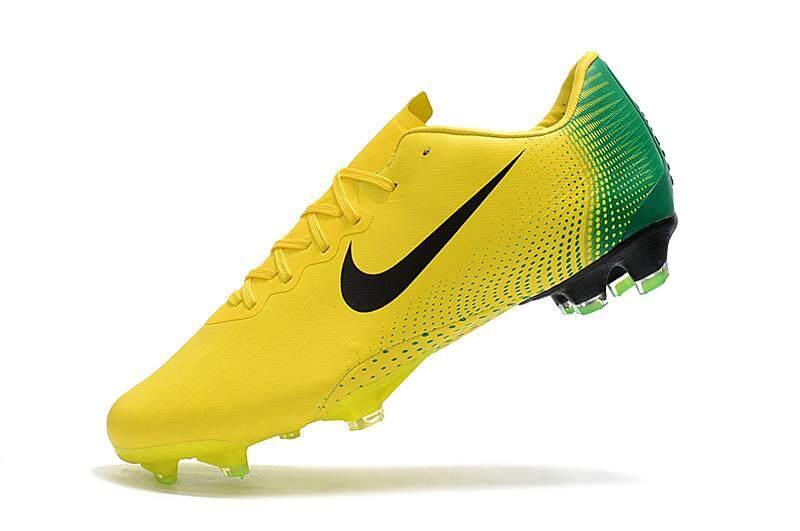 2018 New Football Boots Original Knit Men s Soccer Shoes XII 12 CR7 PRO FG  Cleats Football a0c05460a
