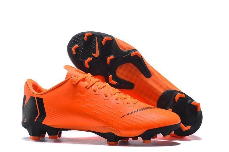 New Football Boots Original Knit Men s Soccer Shoes XII 12 CR7 PRO FG  Cleats Football Shoes c0bde53ca4d