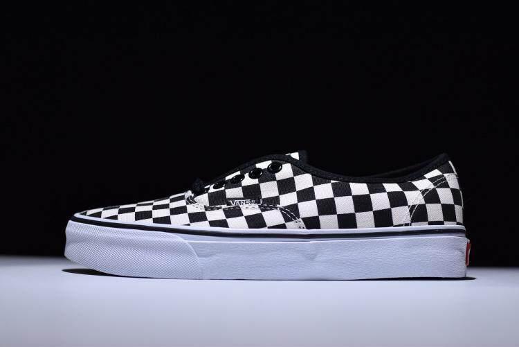 Original VANS CLASSIC SLIP ON Men/Women Sport Fashion Shoes Sneakers (BLACK/WHITE) ETA-Delivery 7-12 Days (Pre Order)