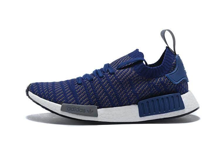 การใช้งาน  หนองบัวลำภู Adidas Originals NMD_R2 Primeknit รองเท้าวิ่งผู้ชายรองเท้าลำลองทรงแฟชั่นรองเท้าผ้าใบ (สีฟ้า/สีเทา)