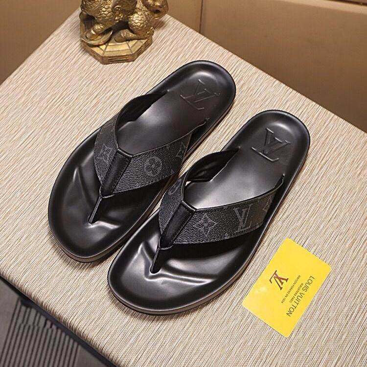84ec6117d5b9f China. LVL2019 new men's slippers fashion casual shoes classic flower  slippers luxury high-end flip-