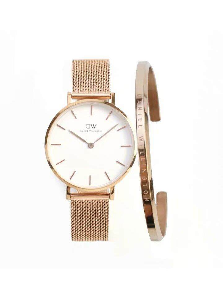 DW Watch CLASSIC PETITE -28MM Rose Goid surface  Gift with original box ready stock Malaysia