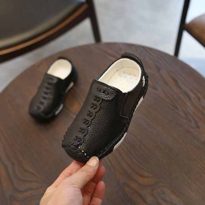Trẻ Em Phong Cách Nước Anh Trai Giày Da Bé Thời Trang May Giày Thường Chất Liệu Da PU Mùa Thu Đế Mềm Sneakers Slip On B06061 giá rẻ