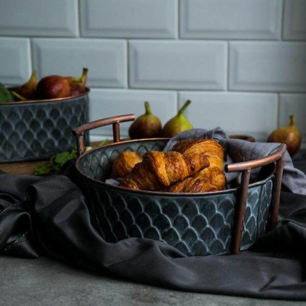 Retro Round Metal Basket With Handle Handcrafted Vintage Iron Fruit Bread Tray Plate Home Kitchen Decor