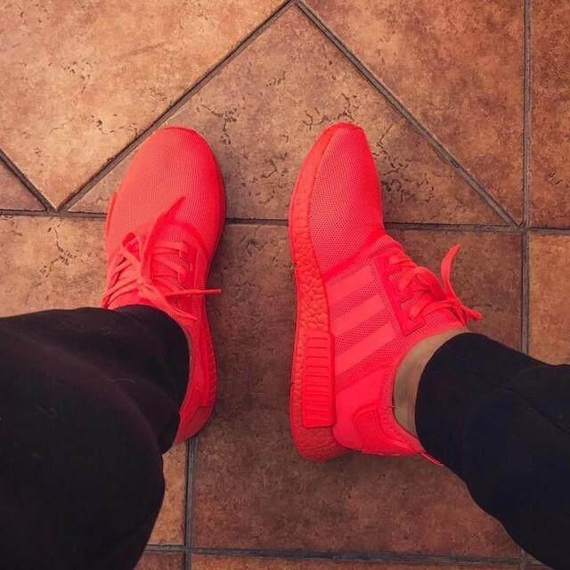 ร้อยเอ็ด Adidas_NMD_R1_'Solar_Red'