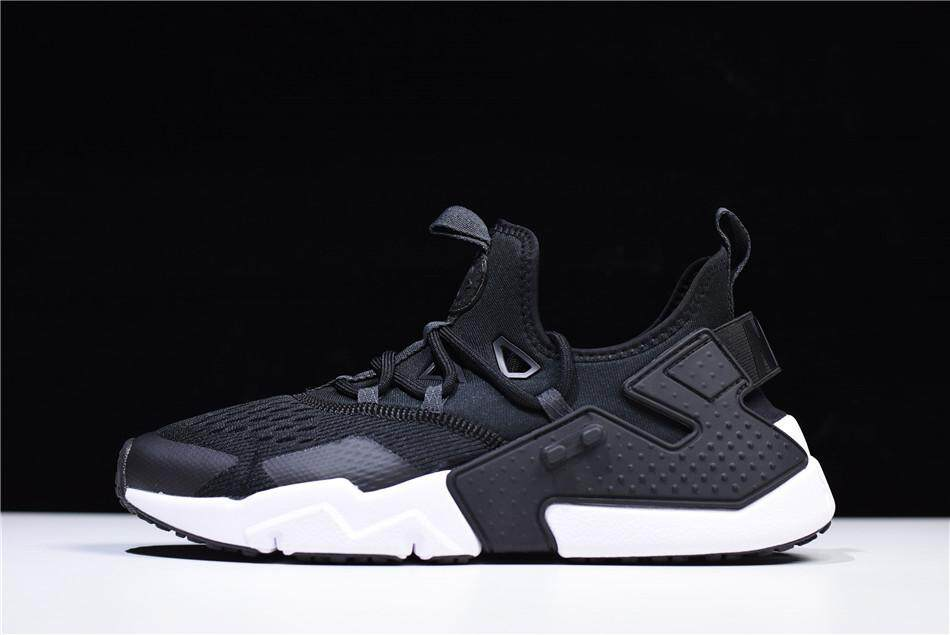 new arrival 3b507 481c4 Nike Air Huarache Women s Essential Running Shoes