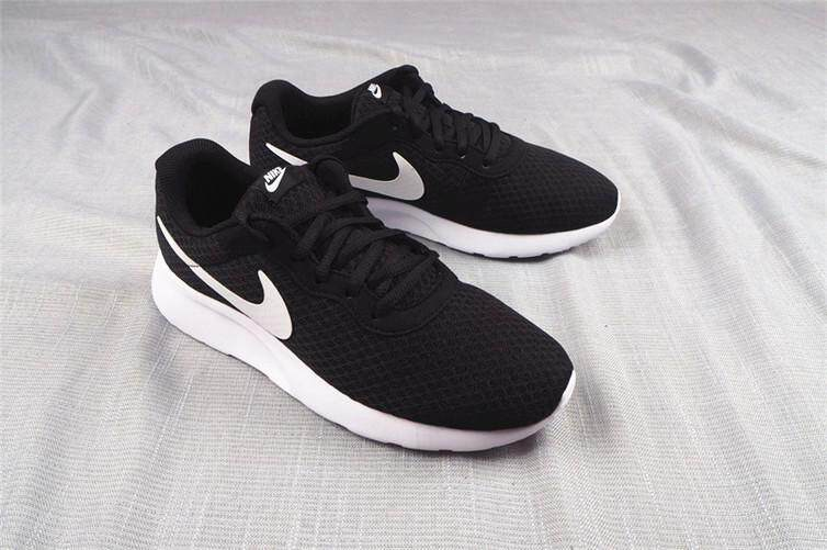 quality design d3f01 72f09 Nike Official ROSHE RUN MENWOMEN Running Shoes Sneakers 3s (Size36-