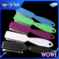 Bàn chải phủi tóc Myyeah làm bằng nhựa và sợi vải mềm dùng để phủi bụi và tóc thừa sau khi cắt, có thể dùng để tạo kiểu tóc (kích thước 14*2.5*2cm, sản phẩm gửi màu ngẫu nhiên) phù hợp sử dụng tại nhà và salon tóc chuyên nghiệp – INTL