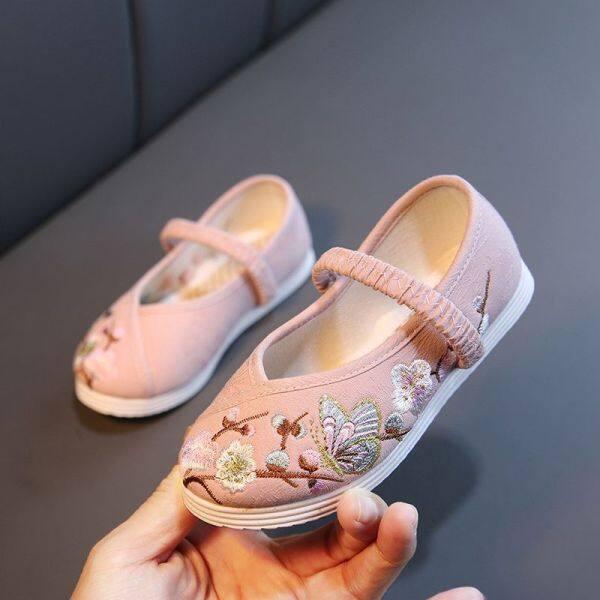 Giá bán Beijinger Truyền Thống Mới Trung Quốc Cổ Giày Vải Trẻ Em, Hán Phục Cổ Điển Thêu Cho Bé Gái, Biểu Diễn Múa Học Sinh Phong Cách Dân Tộc