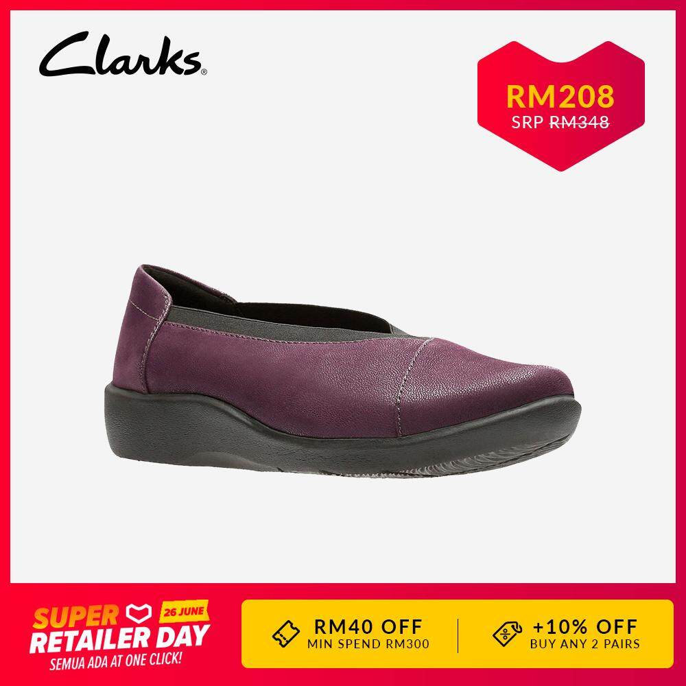 9909300abceb1 Clarks Cloudsteppers Sillian Holly Womens Casual Slip Ons (Aubergine)