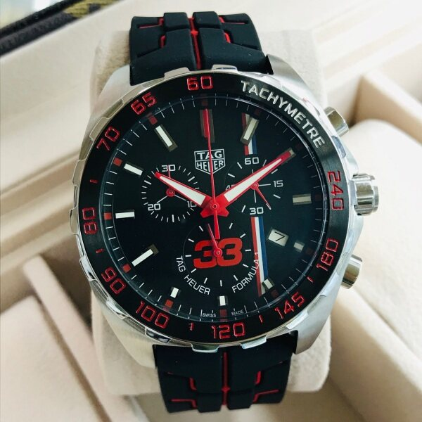 TaG_Heuer new model chronograph inside all working with ori box paper bag and warranty card Malaysia