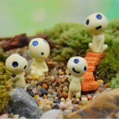 Alien Mini Crafts Garden Miniature DIY Doll House/ Terrarium/ Home Desktop/ Succulents/ Bottles /Micro Landscape Decoration   B (Stood smiling)