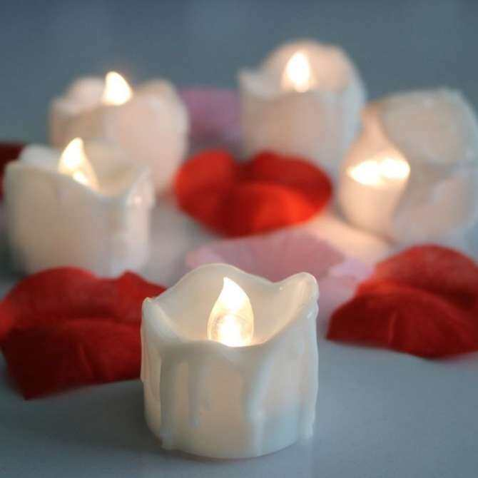 TOMSOO 6Pcs Electronic Flameless LED Tea Light Candles Smokeless Candles for Party (