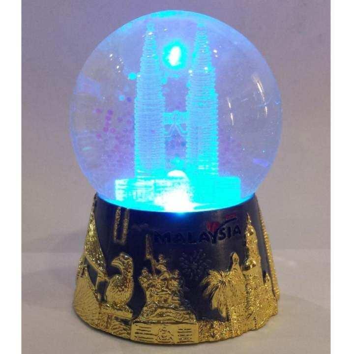 Light Tower Globes: KLCC PETRONAS TWIN TOWERS SNOW GLOBE WITH LIGHT