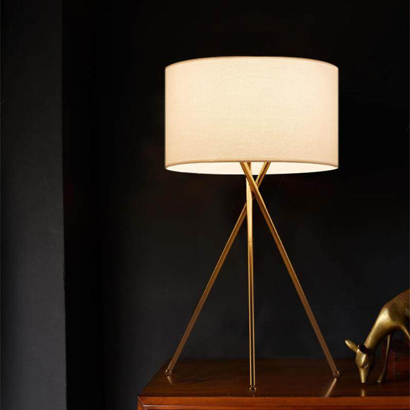 American Modern Minimalist Personality Nordic Creative Living Room Study Bedroom Bedside Table Lamp Hotel Room Decorative Table Lamp