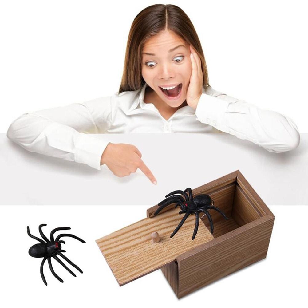 Wooden Prank Spider Scare Box Hidden In Case Trick Play Joke Gag Toys Gifts