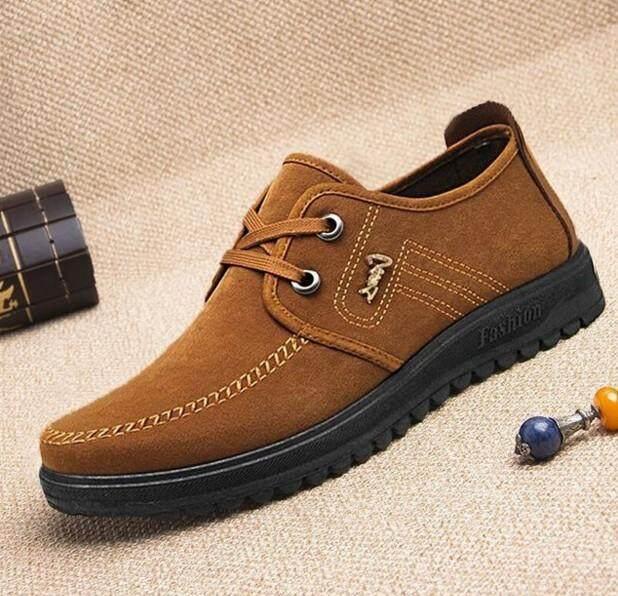 BILLION.TH รองเท้าผ้าใบผู้ชาย Men's Classic Suede Shoes