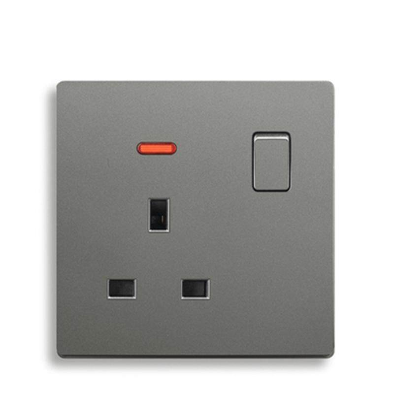 UK standard 3 pin wall outlet and 13A Gray color plastic Panel wall socket