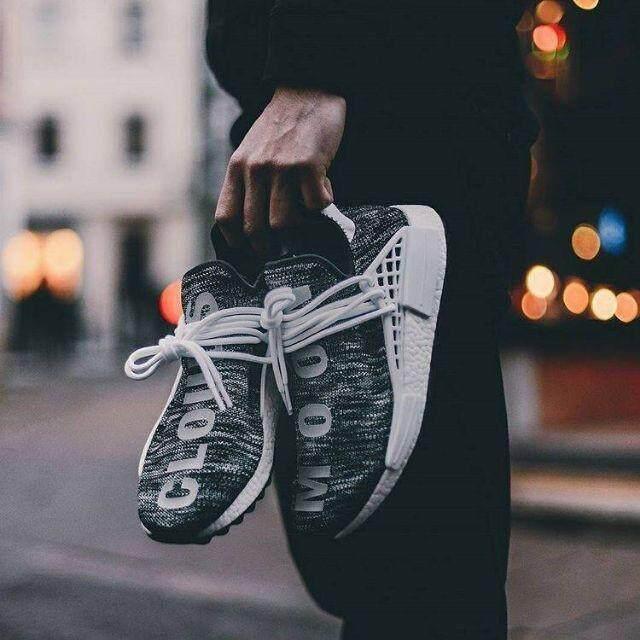 กำแพงเพชร รองเท้าคู่คลังสินค้าพร้อม NMD RUNNER Adidas PW x CC HU NMD คุณภาพระดับพรีเมียมรองเท้า