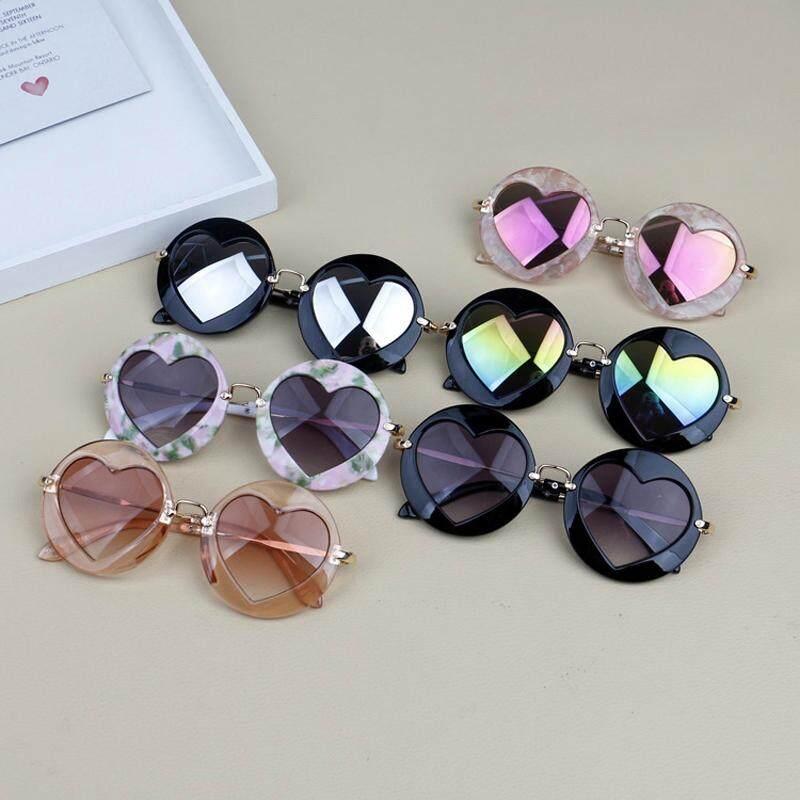 20c5c6111ecd Children kids Boys Girls Fashion Sunglasses Shades Holiday UV400 Protection  Retro Sunglasses New Fashion Anti-