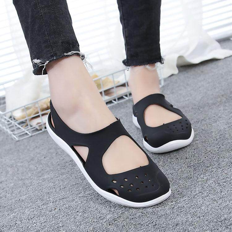 c80cc41055b28 2018 New Style Versatile Anti-slip Students Soft Bottom Jelly Closed-toe  Sandals Porous