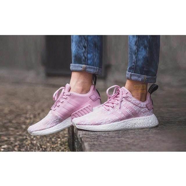การใช้งาน  ประจวบคีรีขันธ์ Aonetopคลังสินค้าพร้อม100% Ori Adidas NMD R2 ผู้หญิงวิ่ง/รองเท้าลำลอง Size36-40