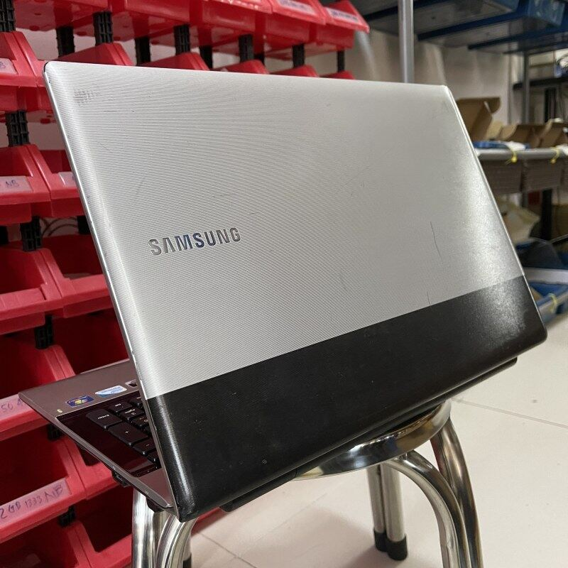 Samsung RV509 RV511 - Intel Pentium P6200 / 2GB 4GB DDR3 RAM / 120GB SSD 320GB HDD Budget Laptop Notebook Murah Bajet Webcam Malaysia