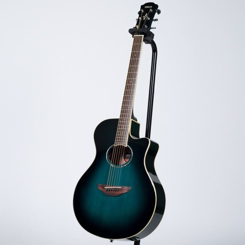 Yamaha APX600 Thinline Cutaway Acoustic-Electric Guitar with Pickup Malaysia