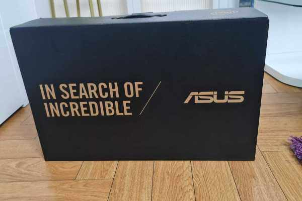 ASUS ZenBook Pro Duo UX581LV-XS94T 15.6 OLED 4K Touchscreen Intel Core i9 Malaysia