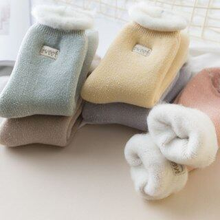 Vớ len nhung lót lông mềm dày dặn, cổ cao, màu kẹo ngọt giúp giữ ấm mùa đông dành cho nữ thumbnail