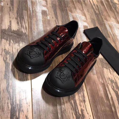 Versace Resmi Pria Medusa Kulit Low Top Sepatu Skateboard Diskon EU 39-44 696d0656ec