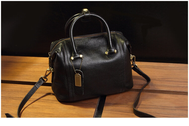 07d0d37361 4 Color 2018 Summer New European And American Style Two-Layer Leather  Boston Bag Handbag