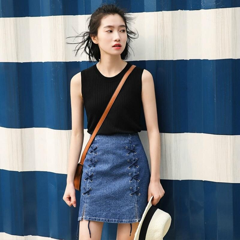 Japanese-style Fresh Pit Strip Knitted Slimming Effect Knitted Sleeveless Top Female Korean-style Ice Silk Knit Slim Fit Round Neck Bottoming Shirt - intl