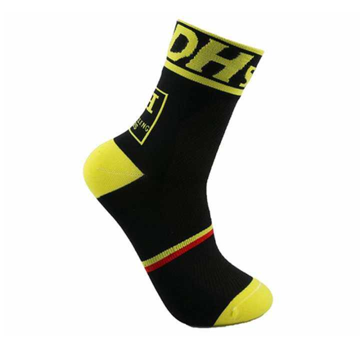 Professional brand Breathable Cycling sport socks Protect feet breathable wicking socks cycling socks Comfortable Bicycles Socks