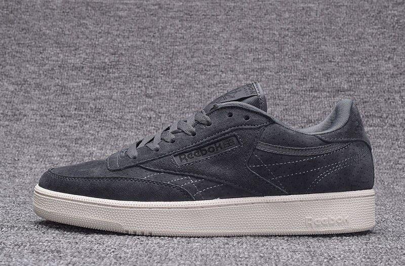 Reebok Pria Sepatu Kasual Nubuck Suede Sepatu Santai Reebok Klub C Mode Terkini  Sepatu Skateboard ( 86e99ddc39