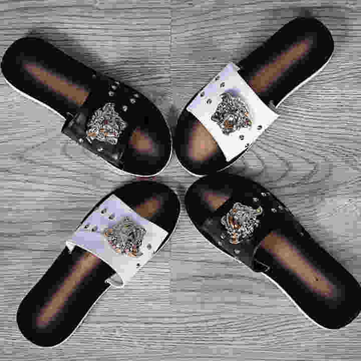 Summer Wooden Slippers Male Slippery Summer Man Dragons Male Slippery Male Slippers Sandwich Feet Flat Sand Couples Beach Shoes Hit The Color Cool Slippers Tide(Black) 66b868