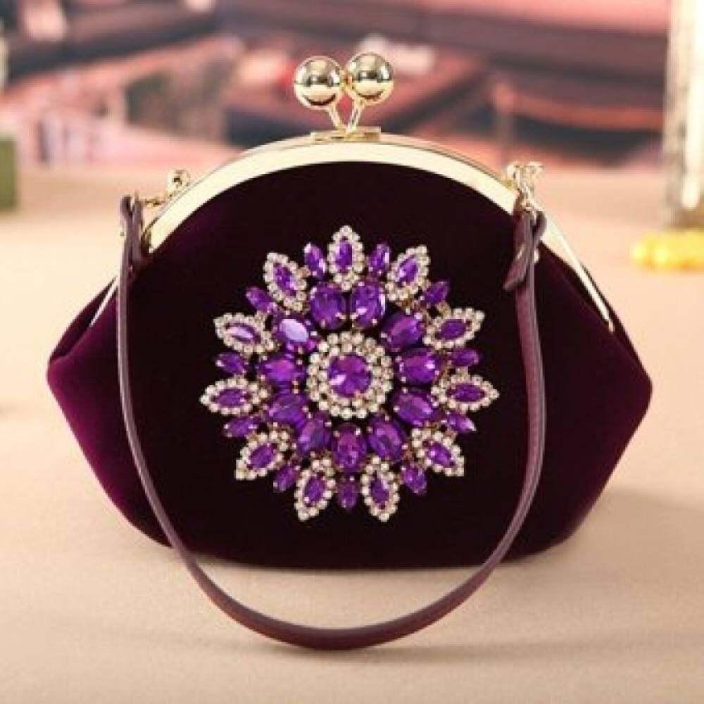Offer Khuyến Mại Top Rate Fashion Shell Shape Velvet Surface Handbag Flower Diamond Wedding\nBridal