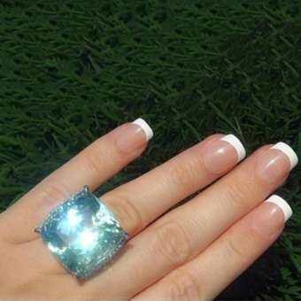 Sanwood®สร้างสรรค์ผู้หญิง Faux Topaz ฝังนิ้วมือการหมั้นการแต่งงานแหวนเครื่องประดับ-