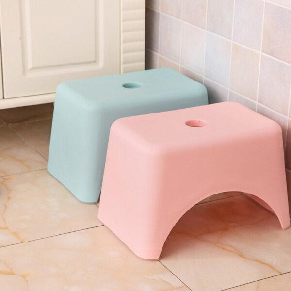 [ Ready Stock ] Bench Plastic Stool Bathroom Feeding Hand Washing Bath Stepping Piano Pad Footstool Short Baby Non-slip Children Small Platform