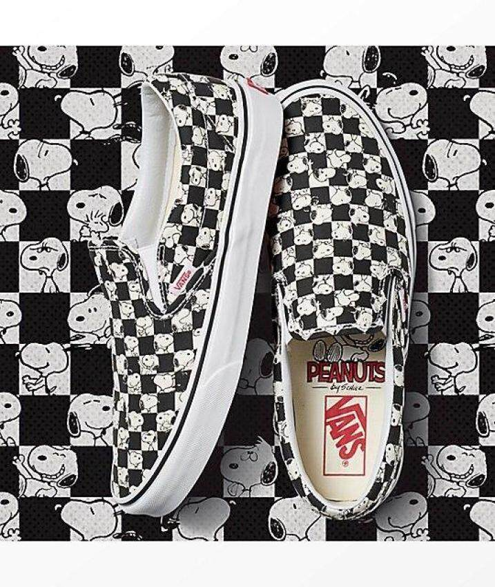 Vans Classic Slip On Peanuts Snoopy