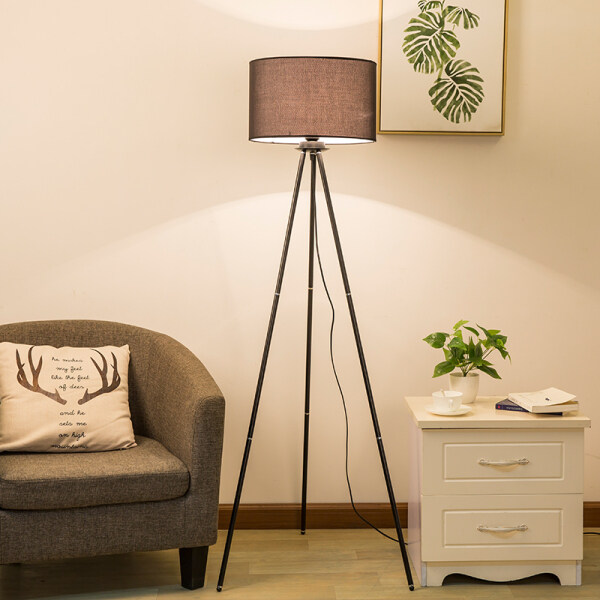 LOCO LIGHT Standard Lamp Iron Art Floor Lamp Living Room Triangle Support Upright Floor Lights With 12W LED Lighting Fixtures H149CM