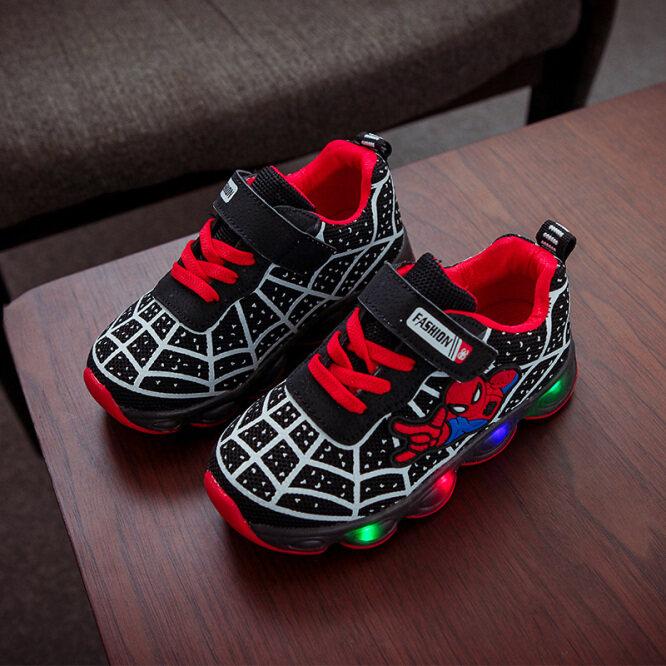 New Kids Spiderman Giày Tia Chớp Bóng Đêm Giày Ánh Sáng LED Thể Thao Cho Trẻ Em Sneaker Trai Bé Gái Mới Biết Đi Mùa Thu Mùa Xuân giá rẻ