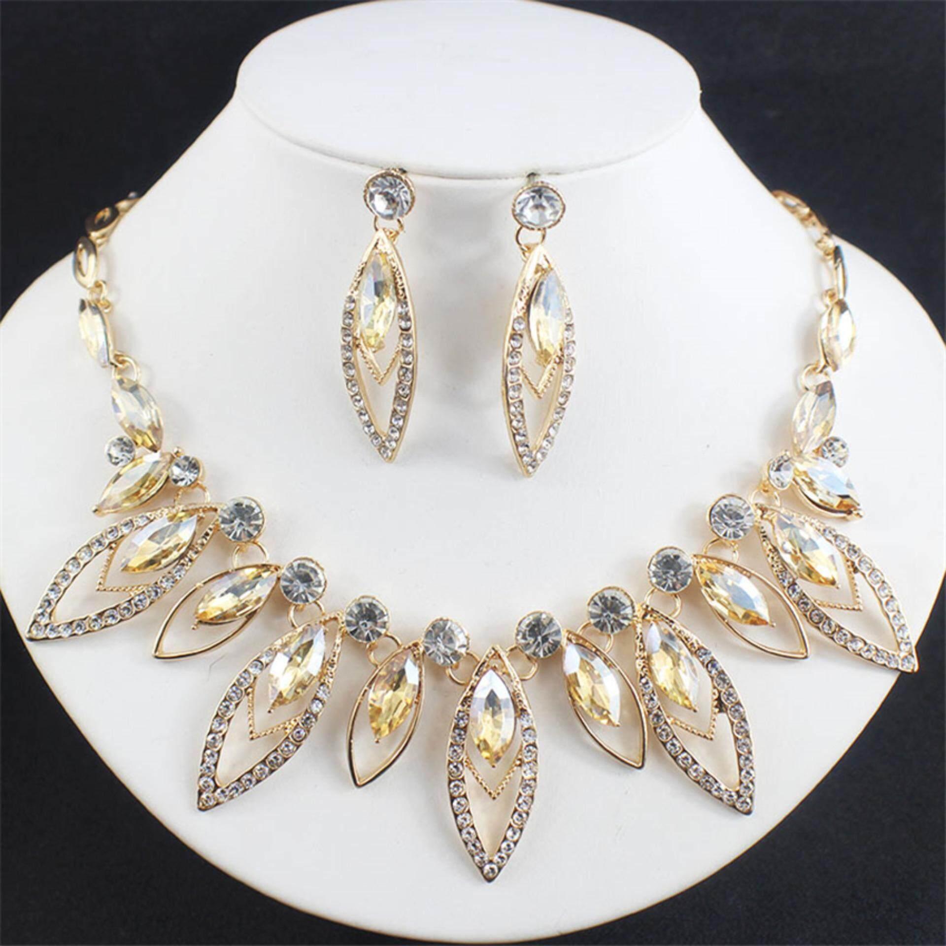 Kalung imitasi mewah elegan + Subang + crown yang ditetapkan partai Pernikahan. Source · Harga