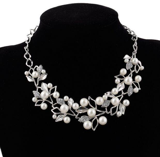 Fashion Tree Branch White Resins Beads Simulated Pearls Statement Necklaces For Women Dress Short Design Vintage
