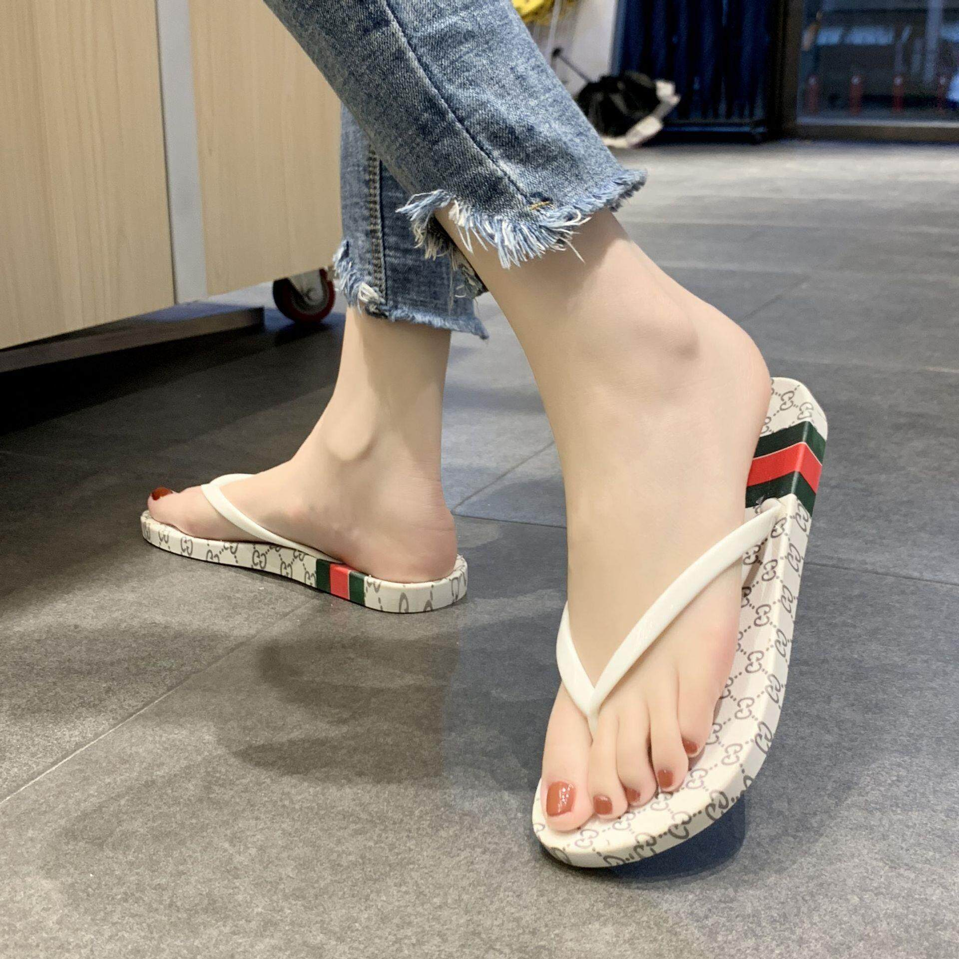 af8f489af Guccis Slippers for men and women shoes summer light slip resistant wear