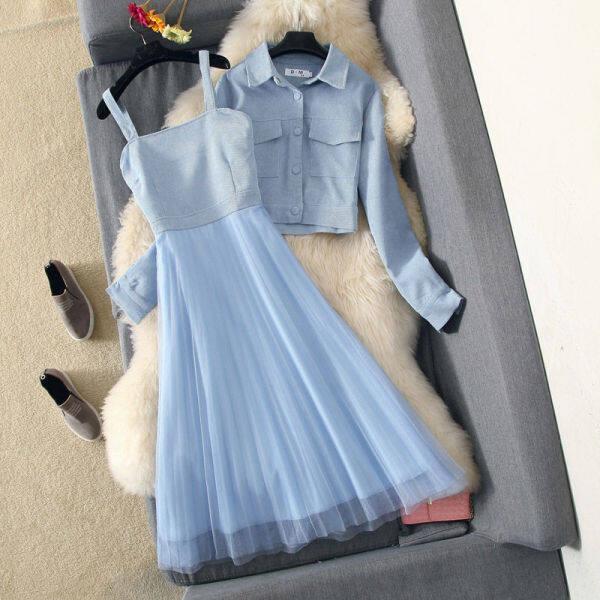 Bộ áo khoác và váy dài dễ thương phong cách mùa thu giá tốt