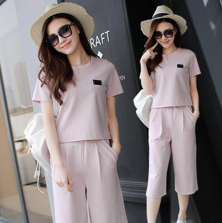 Ready Stock 2 Pcs Korean Fashion Short Sleeved Top Cropped Wide Leg Pants Casual Suit By Geesun.