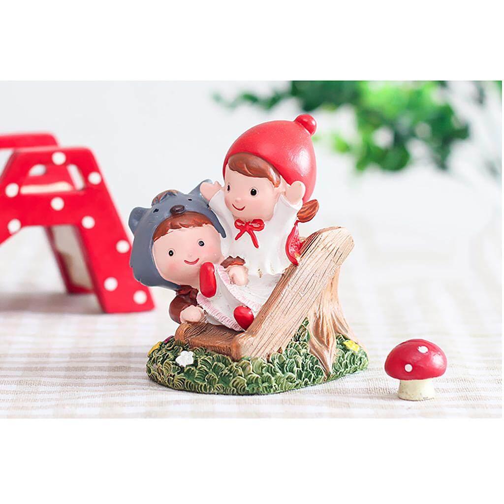 Dolity 2 Buah Miniatur Boy & Girl Taman Patung Hias Rumah Boneka Peri Dekorasi
